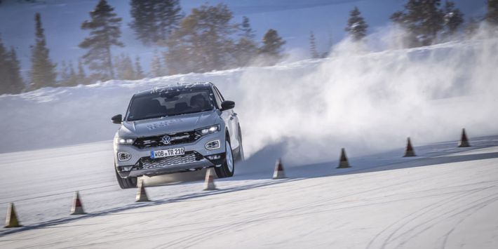 Kompakt SUV lastikleri testi: Auto Motor und Sport, Volkswagen T-Roc üzerinde kış lastiklerini karşılaştırdı