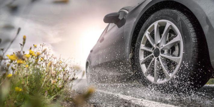 rezulteo yağmur odaklı yeni yaz lastiği Nokian Wetproof'u test etti