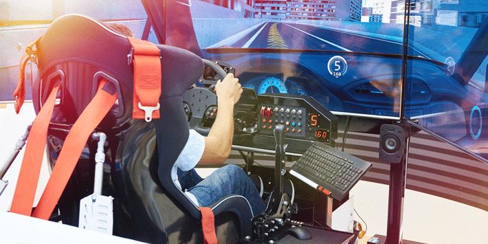 Lastik markaları sürüş simülatörü yarışmaları için sanal pistlerde