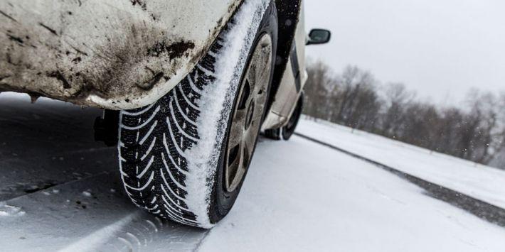 Kış mevsiminde ve kar üzerinde sürüş için en iyi lastik ebatı hangisi? TSC bu soruya yanıt veriyor.