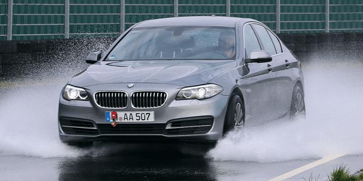 Autobild'in frenleme testleri için kullandığı test aracı BMW 5 serisi oldu.