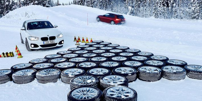 Autobild'in 2019 yılı için, sedan ve aile araçları için kış lastiği testi.